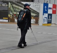 turysta z plecakiem